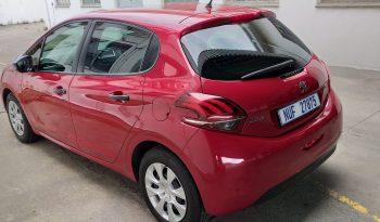 Used Peugeot 208 2017 full