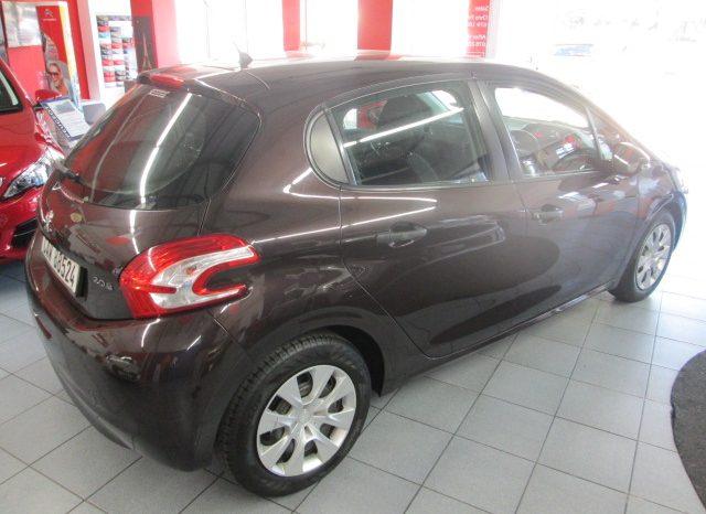 Used Peugeot 208 2013 full