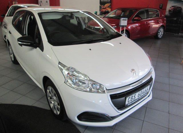 Used Peugeot 208 2016 full
